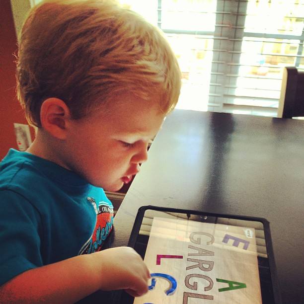Ways to Keep Your Older Child Busy While Your Baby Naps